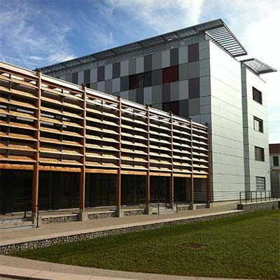 Nettoyage de façades multi-surfaces